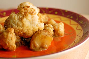 Curried Cauliflower with Potatoes