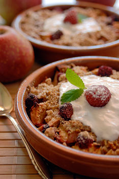 Apple raspberry crisp with streusel topping