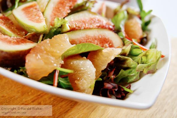 Fig and grapefruit salad with mango ginger dressing