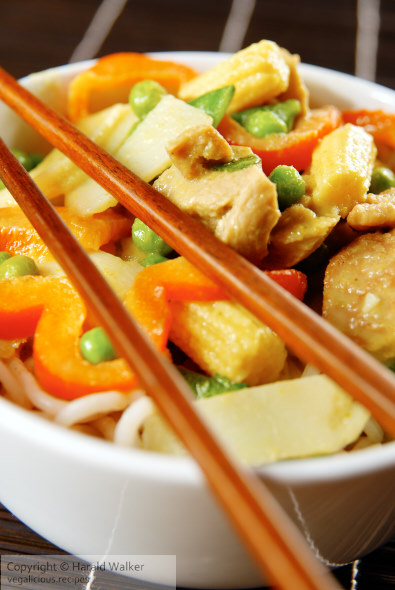 Thai green curry with vegetables and noodles