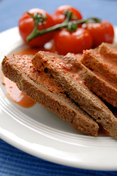 Creamed tomatoes on toast