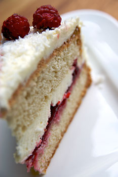 White lemon cake with raspberry filling