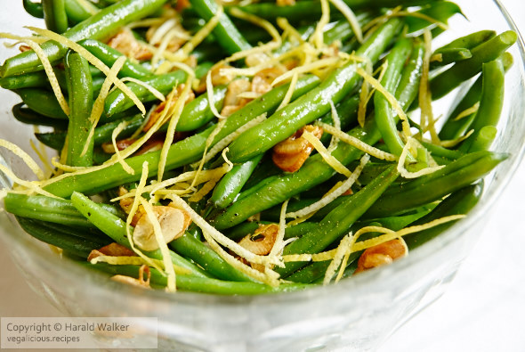 Garlicy green beans with lemon