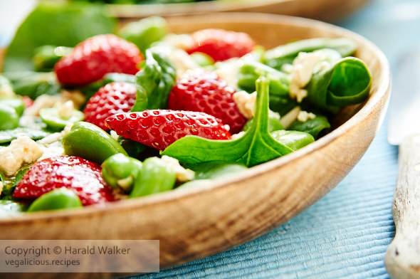 Fava Spinach and Strawberry Salad