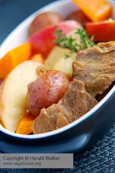 Vegetabe Stew with Seitan and Apples