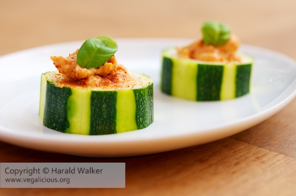 Roasted Red Bell Pepper Humus in Zucchini Rounds