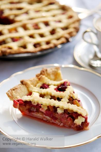 Rhubarb Raisin Pie