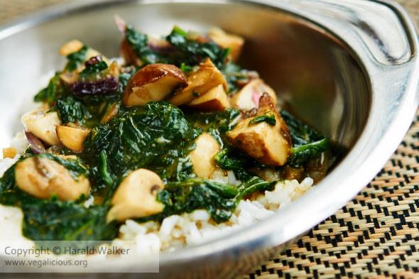 Easy Mushroom-Spinach Curry