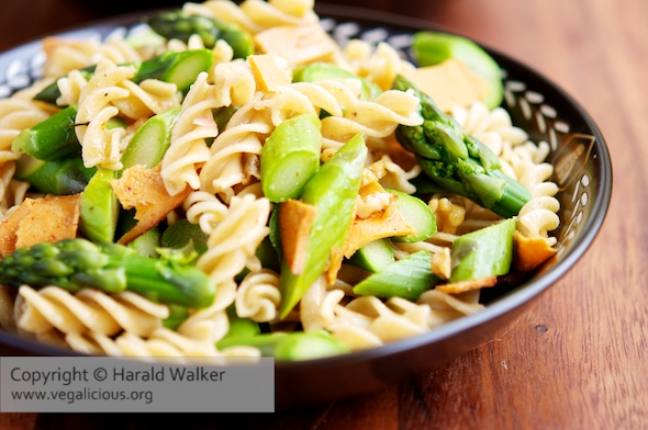 Pasta with Fresh Asparagus and Garlicky Walnut Sauce