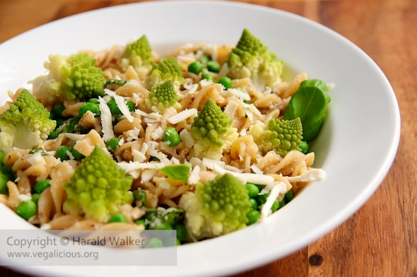 Spirali Pasta with Romanesco and Peas