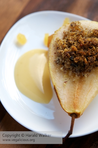 Baked Pears with Hazelnut Filling