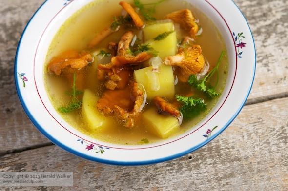 Vegetable Bouillon Soup with Chanterelle Mushrooms