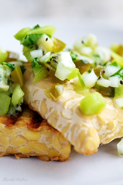 Grilled Tempeh with Kiwi Salsa