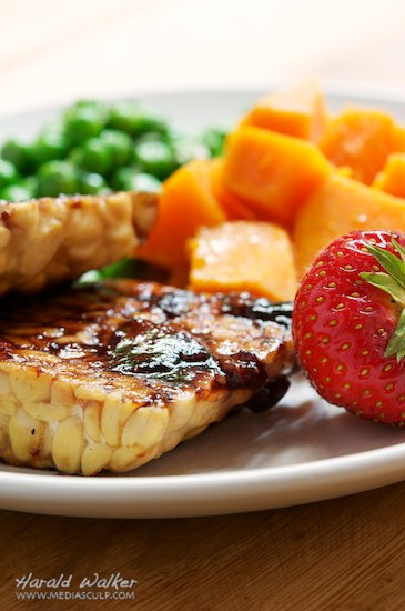Strawberry-Balsamic Glazed Tempeh