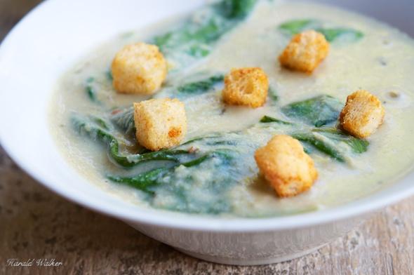 Vegan Spinach Artichoke Soup