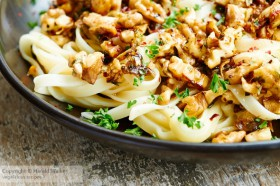 Tagliatelle with Garlic and Toasted Walnuts