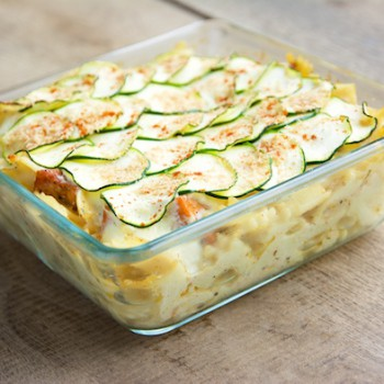 Pasta Gratin with Spicy Tofu Pieces ad Zucchini