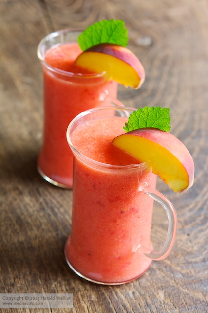 Peach and Redcurrant Smoothie
