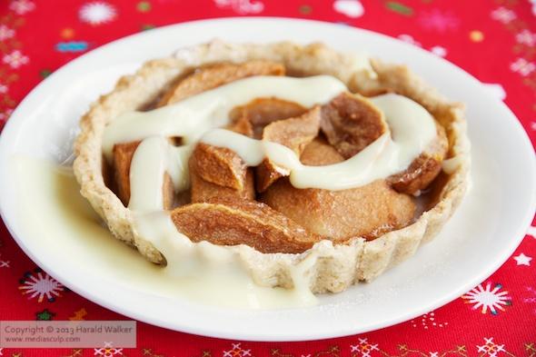 Walnut pear tart