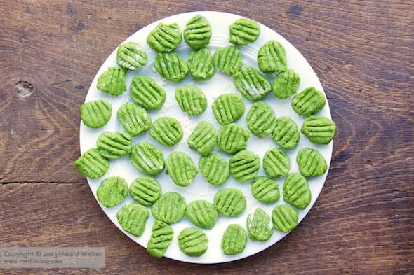 Spinach Gnocchi with Mushroom Sauce « Vegalicious Recipes