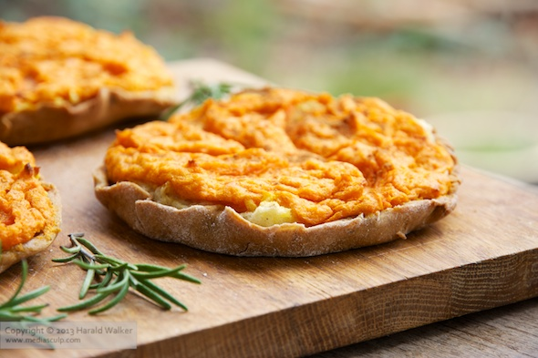 Review sklandrausis latvian vegetable tart vegalicious recipes the recipe was easy to adapt to be vegan using coconut oil instead of lard non dairy milk soy yogurt and egg replacements forumfinder Image collections