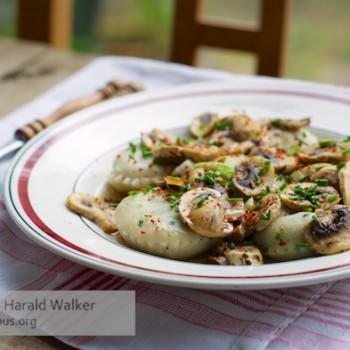 Pea Ravioli with Mushroom Sauce
