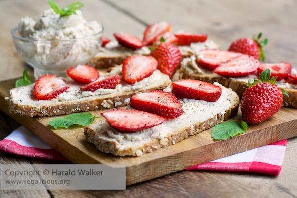 Strawberry and Vegan Cream Cheese Toast