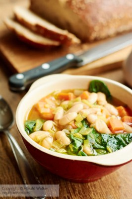 White Bean Soup with Spinach