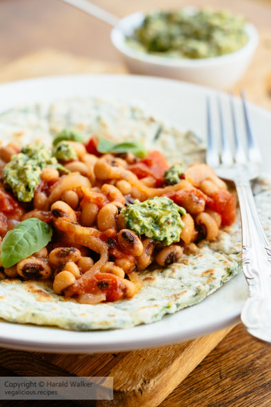 Spinach Flatbreads with Blackeyed-Pea Tomato Topping and Spinach