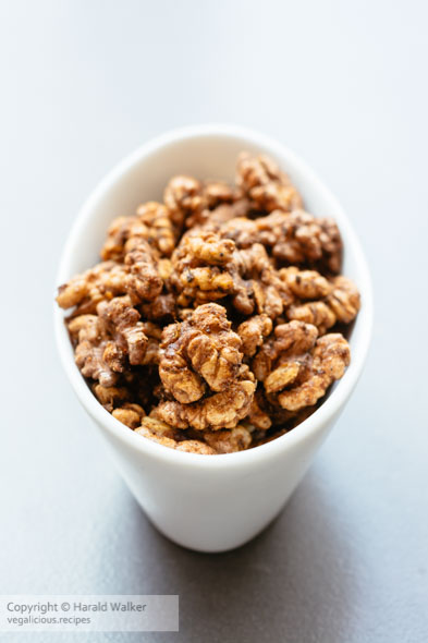 Spicy Walnuts