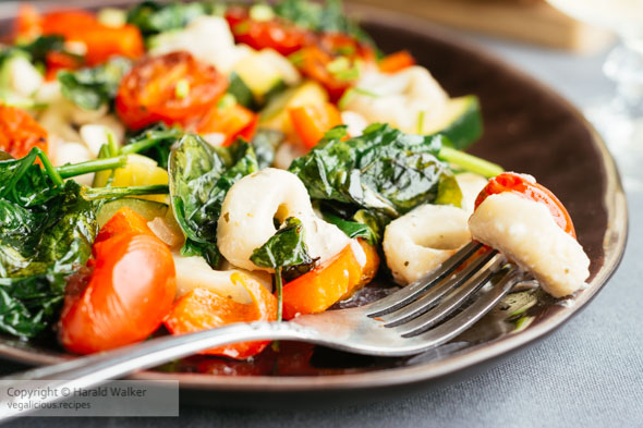 Creamy Vegan Tortellini with Fresh Veggies
