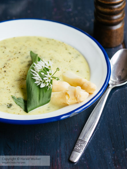 White Asparagus and Wild Garlic Soup « Vegalicious Recipes