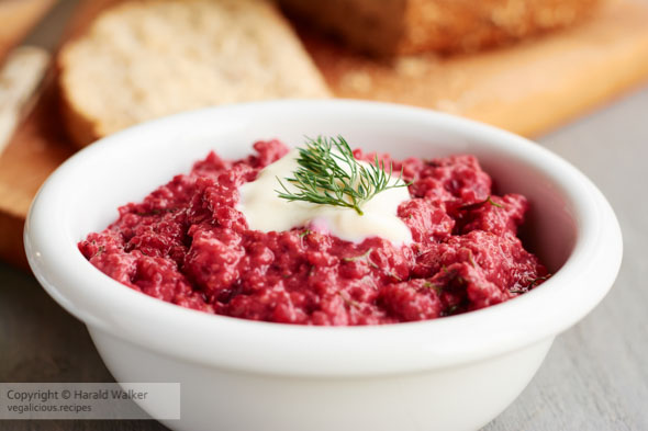 Review: An Ode to Borscht Lentil Dip