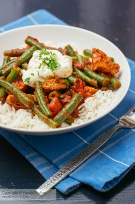 Lebanese Green Beans with Tomatoes (Loobyeh)