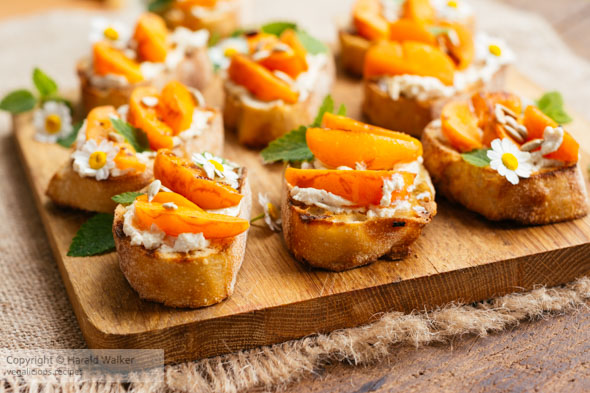 Apricot Vegan Cream Cheese Bruschetta