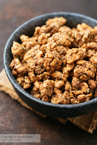 Spicy Vegan Parmesan Walnuts